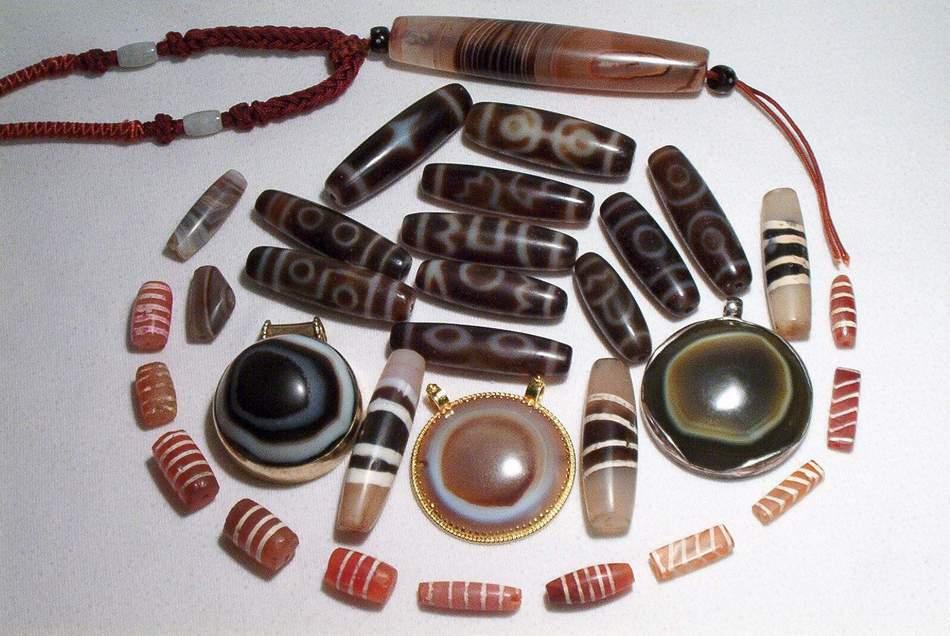 Los DZI Las Piedras Sagradas del Tibet