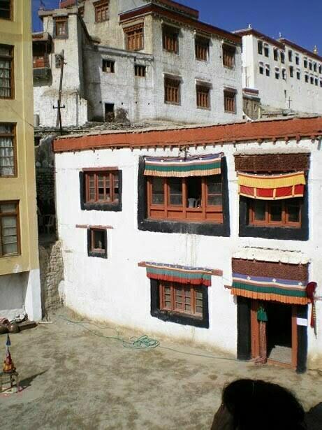 ventanas puerta tibetana
